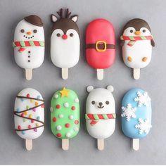 Christmas ice cream on a stick. - Disney - # Disney # Stalk # Christmas Eater - Cake P . Christmas Ice Cream, Christmas Cake Pops, Christmas Treats, Natural Christmas, Diy Christmas, Boutique Patisserie, Magnum Paleta, Kreative Desserts, Cute Baking