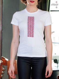Tricou de bumbac cu coronițe V Neck, Mens Tops, T Shirt, Clothes, Women, Fashion, Supreme T Shirt, Outfits, Moda