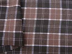 XADREZ ESCÓCIA LUREX. Tecido encorpado, com padrão xadrez padrão escocês e fios de lurex. Ideal para modelagens estruturadas.  Sugestão para confeccionar: casacos, blazers, vestidos, saias, entre outros.