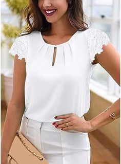 Cute Blouses, Blouses For Women, Blouse Styles, Blouse Designs, Office Dresses For Women, Cute Dress Outfits, Dress Indian Style, Creation Couture, Stylish Tops