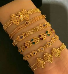 Gold Bangles Design, Gold Earrings Designs, Gold Jewellery Design, Mens Gold Bracelets, Indian Jewelry Sets, Gold Jewelry Simple, Bridesmaid Jewelry Sets, Jewelry Patterns, Antique Gold