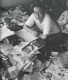 坂口安吾 Writers Desk, Japanese Cartoon, Japanese Culture, Vintage Books, Old Pictures, Historical Photos, Light In The Dark, How To Memorize Things, Illustrations