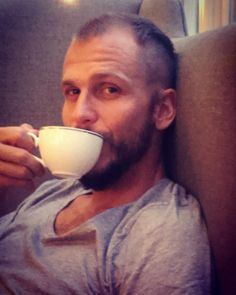 This guy's hotter than a cuppa tea  #vikings #gustafskarsgård #floki #yessir
