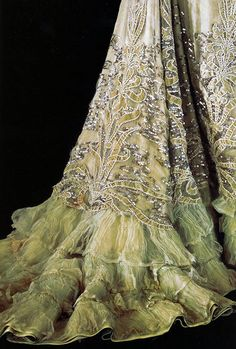 Evening Dress, detail, by Charles Frederick Worth, ca 1901.
