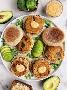 Healthy Homemade Salmon Burgers (paleo + egg-free) - rachLmansfield