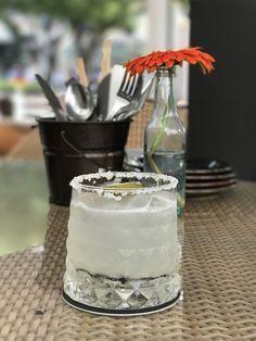 Toto sa stane, ak si do spálne položíte misku so soľou a octom. Blueberry Margarita, Blueberry Lemonade, Silver Tequila, Street Corn, Nordic Interior, Bosu Ball, Glass Of Milk, Health Tips, Food And Drink