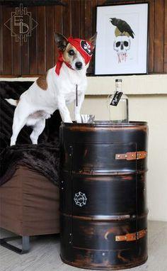 Un étrange petit animal apparaît quelque fois sur les photos de mes créations… Il s'agit de mon assistant canin Coca. Il est non-aimable mais participe volontiers au séance photo de promotion de mes créations. etrangeidee.fr #etrangeidee #jackrusselterrier