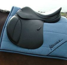 How to make your own saddle pad. Because I obviously know how to do this.
