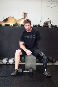 Noah Galloway..this man is not only a hero but a true inspiration  Michael Carrington suffers similar injuries