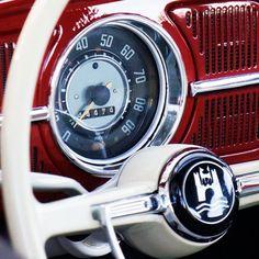 vw interior Lembra-me o primeiro carro de meu pai, que também era vermelho.