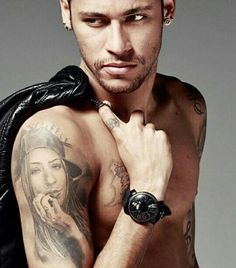 Image in Neymar collection by Valentin Knowles Neymar Jr, Best Football Players, Soccer Players, Messi, Neymar Barcelona, Hot Men Bodies, Neymar Brazil, Brazilian Men, Gorgeous Black Men