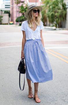 saia longa listrada com blusa