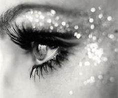 It needs to be socially acceptable wear glitter like this all the time.