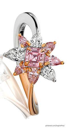 RosamariaGFrangini | Flower Essence | Fleur Rose ~ 0.23ct emerald cut Argyle Pink Diamond set in Platinum and 18ct Rose Gold | Modern Jewellery | MM&Co.