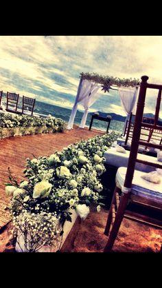 real wedding, casamento real, casamentotabiecarlos, beach wedding, casamento na praia, praia, beach, i do, bride, wedding detail, love, amor, noiva, noivo, festa, decoração, decor, decoração de casamento, wedding decoration, altar, altar de casamento