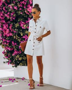 White Denim Dress, Button Down Denim Dress, Pleated Midi Dress, Black Midi Dress, Summer Brunch Outfit, Sweater Shop, Street Chic, Street Style, Last Call