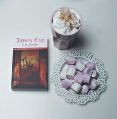 Home sweet home, Stephen King, rose madder, book, cocoa with cream and cinamone, marshmellows, ikea, white