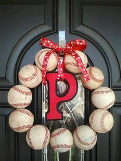How to make a repurposed baseball wreath out of those special balls you& been saving. Perfect for the baseball fan& front door. Baseball Wreaths, Baseball Crafts, Baseball Stuff, Baseball Mom, Sports Wreaths, Baseball Games, Softball Wreath, Baseball Snacks, Baseball Couples