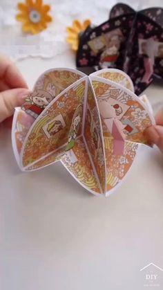Cool Paper Crafts, Paper Crafts Origami, Diy Crafts For Gifts, Origami Art, Creative Crafts, Diy Paper, Fun Crafts, Oragami, Diy For Kids