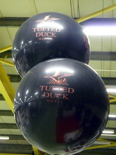 Giant Tufted Duck balloons