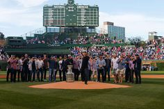 The Team takes the Cup to Wrigley Field - 06/17/2015 - Chicago Blackhawks - Photos