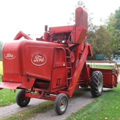 Preserving an Heirloom: Family Finds New Home for Rare Ford Combine - Equipment - Farm Collector