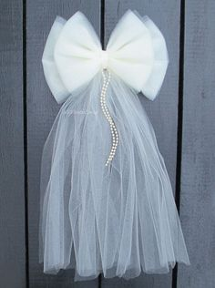 Small Ivory Tulle Pearl Wedding Pew Bow
