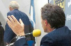 Carlos Bianchi abandona en plena conferencia de prensa al entonces presidente de Boca juniors y actual presidente de la nación Argentina Mauricio Macri