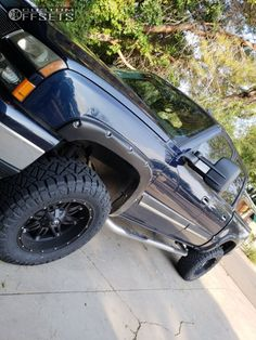 2007 Chevrolet Silverado 1500 Classic Fuel Hostage Rough Country Suspension Lift 6in