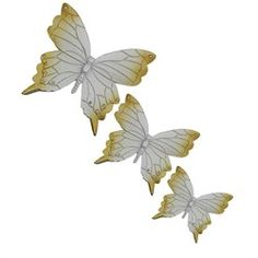 3lü Kelebek Duvar Süsü Ürün Özellikleri Malzeme: Polyester Ürün Duvara asabileceğiniz hazır bir şekilde gönderilmektedir. Renk: Sedef, Altın Ürün Boyutu        Büyük: Yükseklik: 18 cm Genişlik: 20 cm        Orta: Yükseklik: 13,5 cm Genişlik: 15,5 cm        Küçük: Yükseklik: 11 cm Genişlik: 13 cm