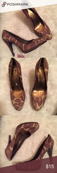 Nine West cheetah leopard print heels pumps Sz 6 Nine West cheetah leopard print heels pumps Sz 6  So cute !  Good used condition  Great addition to any wardrobe Nine West Shoes Heels