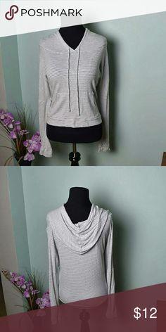 Adorable White & Grey Hoodie In excellent condition Tops Sweatshirts & Hoodies
