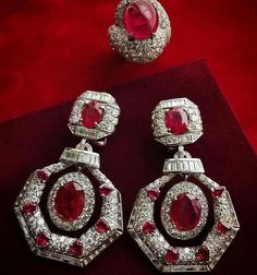 David Webb Cabochon Ruby, Diamond and 18K White Gold Ring and Earrings