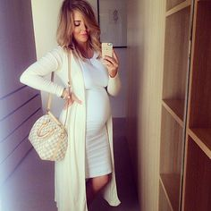 BUMP SELFIE > I can't get enough of this dress Stylish Maternity, Maternity Wear, Maternity Fashion, Maternity Dresses, Maternity Styles, Maternity Swimwear, Baby Bump Style, Mommy Style, Pregnancy Looks