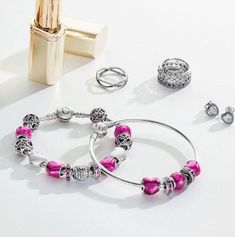 Add some pink to your Pandora bracelet!