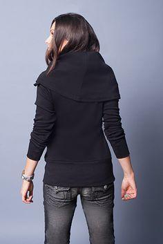 Evenagamba Cherry Pullover in Black