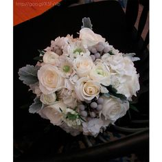 Ramo de novia en color #Paloma #bouquet #bride #Wedding #YUCATANLOVE #DestinationWedding