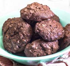 Μπισκότα φουντούκι σοκολάτα από την Αργυρώ Μπαρμπαρίγου! Biscotti, Cookies, Chocolate, Desserts, Recipes, Food, Biscuits, Deserts, Schokolade