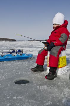 #IceFishing on Rice Lake #Ontario can be a great way to introduce kids to winter activities. Ice hut rentals and guides are available in Bewdley. http://www.northumberlandtourism.com/en/outdoor-adventure/Ice-Fishing.asp
