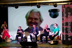 Exclusivo: Assange quer mudar a sede do Wikileaks para o Brasil