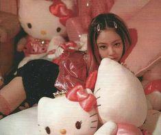 Jennie for Vogue Korea 🌺 on We Heart It Blackpink Jennie, Kpop Aesthetic, Pink Aesthetic, Aesthetic Vintage, Kpop Girl Groups, Kpop Girls, Kpop Concert Outfit, Blackpink Icons, Wallpaper Free