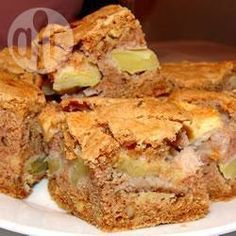 Romanian apple cake recipe - All recipes UK Apple Cake Recipes, Apple Desserts, Easy Cake Recipes, Dessert Recipes, Apple Cakes, Romanian Desserts, Romanian Food, Romanian Recipes, Cake Recipes For Beginners
