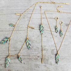 Le produit Collier plume tissé en perles de verre japonaises Miyuki est vendu par My-French-Touch dans notre boutique Tictail.  Tictail vous permet de créer gratuitement en ligne un shop de toute beauté sur tictail.com