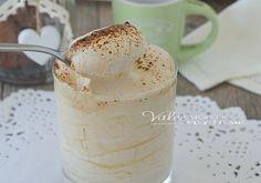 Crema al cappuccino senza uova e senza cottura, un dolce al cucchiaio senza cottura, fatto di pochi ingredienti, ricetta dolce facile e veloce