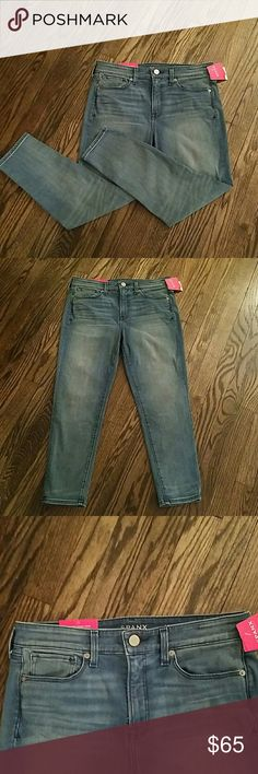 SPANX 5 pocket skinny crop jeans. They are light blue denim with some Lycra or spandex give. SPANX Jeans Straight Leg