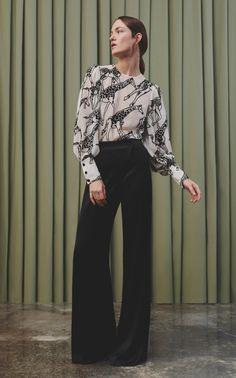 Galvan Pre-Fall 2020 Fashion Show, Galvan Pre-Fall 2020 Collection - Vogue. Fashion Gal, Dope Fashion, Fashion 2020, Daily Fashion, Runway Fashion, Autumn Fashion, Fashion Looks, Fashion Outfits, Fashion Trends