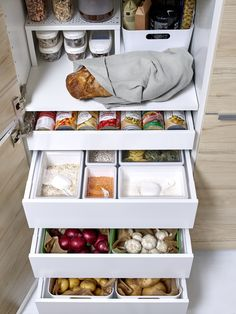Awesome Pantry Shelving Ideas to Make Your Pantry More Organized Ikea Pantry, Pantry Shelving, Kitchen Pantry, Kitchen Storage, Kitchen Cabinets, Shelving Ideas, Storage Ideas, Interior Design Living Room, Living Room Designs