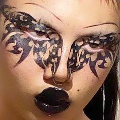 @cc6oy on IG Punk Makeup, Edgy Makeup, Grunge Makeup, Eye Makeup Art, Makeup Goals, Makeup Inspo, Makeup Inspiration, Maquillage Goth, Goth Make Up