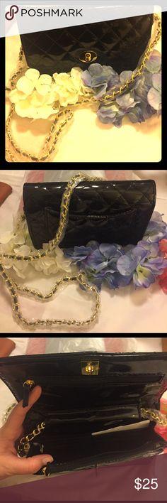 Black shinny purse Brand New !!! Bags Crossbody Bags