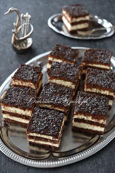 Wilgotne, mocno nasączone alkoholem czekoladowe ciasto. Składa się z kakaowego biszkoptu i kakaowych herbatników przełożonym bitą śmietaną. Nasączone jest czekoladowym...